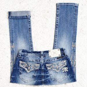 Miss Me Signature Rise Cropped Jean's.  Size 25.